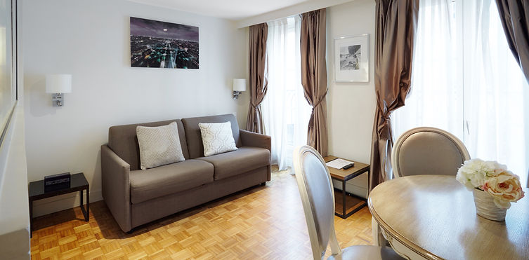 Living Room | Functional 1 bedroom short stay apartment | Apartments du Louvre