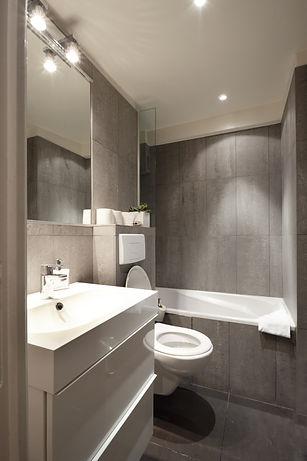 Baño | Excepcional ático dúplex con 2 terrazas | Apartments du Louvre Saint Honoré
