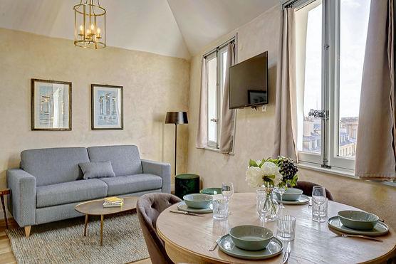 Alquiler temporário espacioso duplex | Apartments du Louvre Saint Honoré