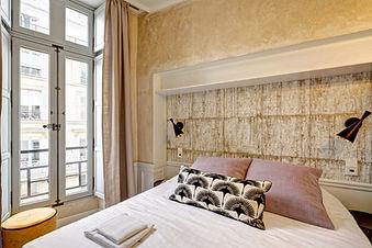 Bedroom | Modern serviced studio for short term rental | Apartments du Louvre