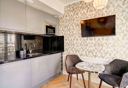 Open Kitchen | Modern serviced studio for short term rental | Apartments du Louvre