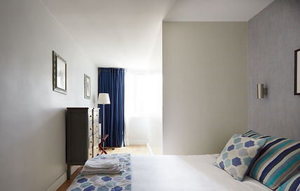Bedroom | Short term penthouse apartment rental | Apartments du Louvre