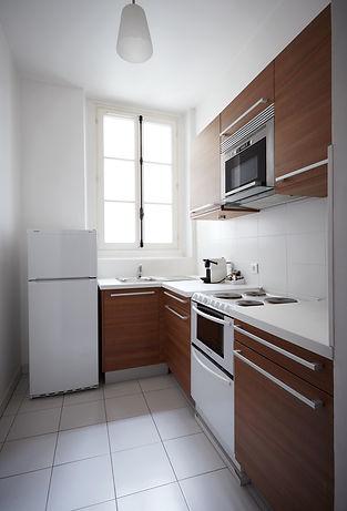 Kitchen | Spacious 2 bedroom short term rental | Apartments du Louvre