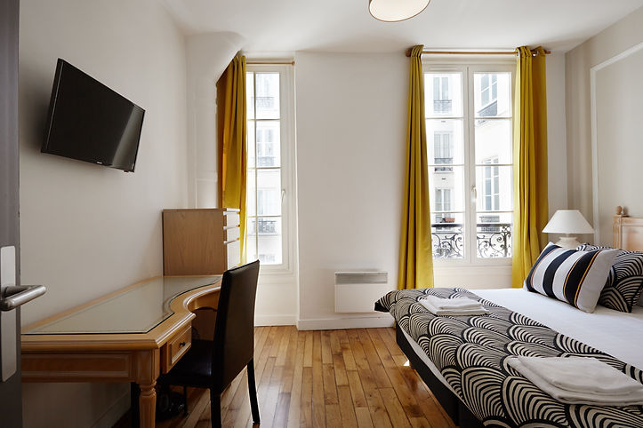 Bedroom | Spacious 2 bedroom short term rental | Apartments du Louvre