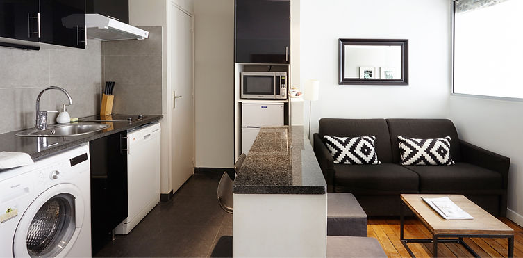 Open Kitchen | Functional 1 bedroom short stay apartment | Apartments du Louvre