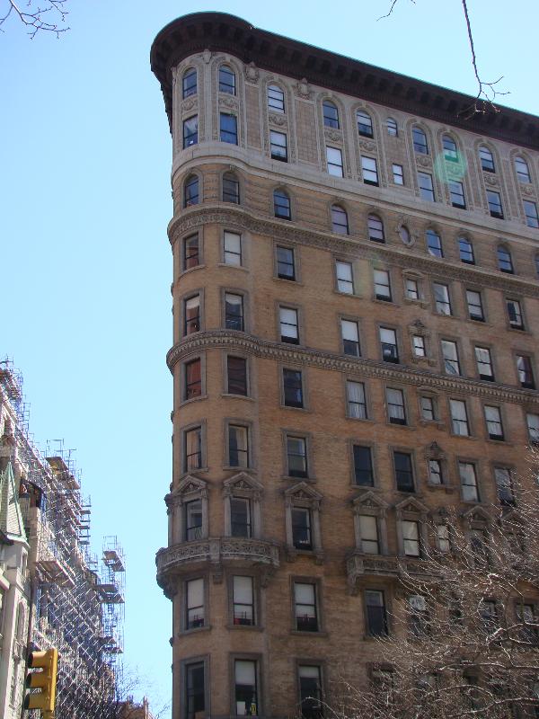 2030 Broadway
