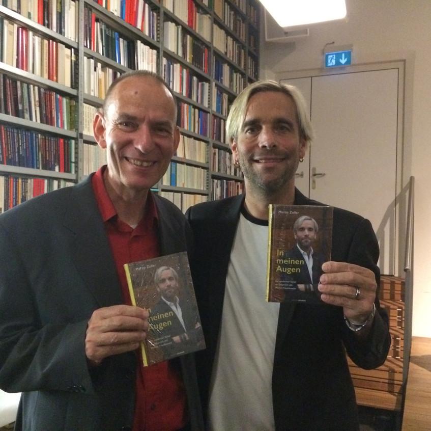 Ein Buch, zwei Väter