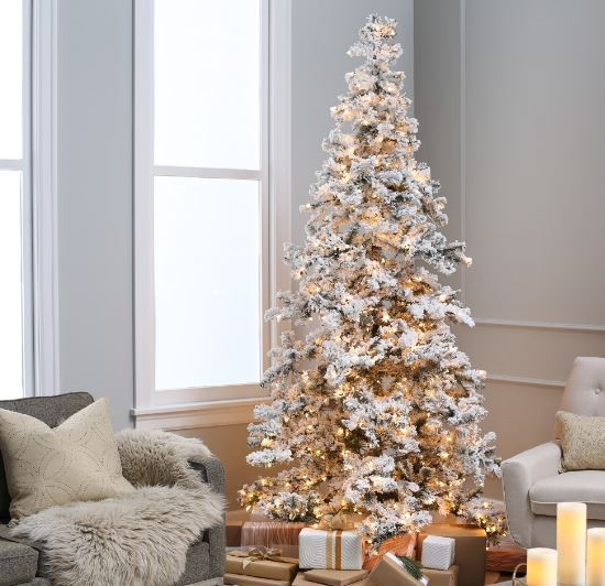 Holiday decor that looks fresh