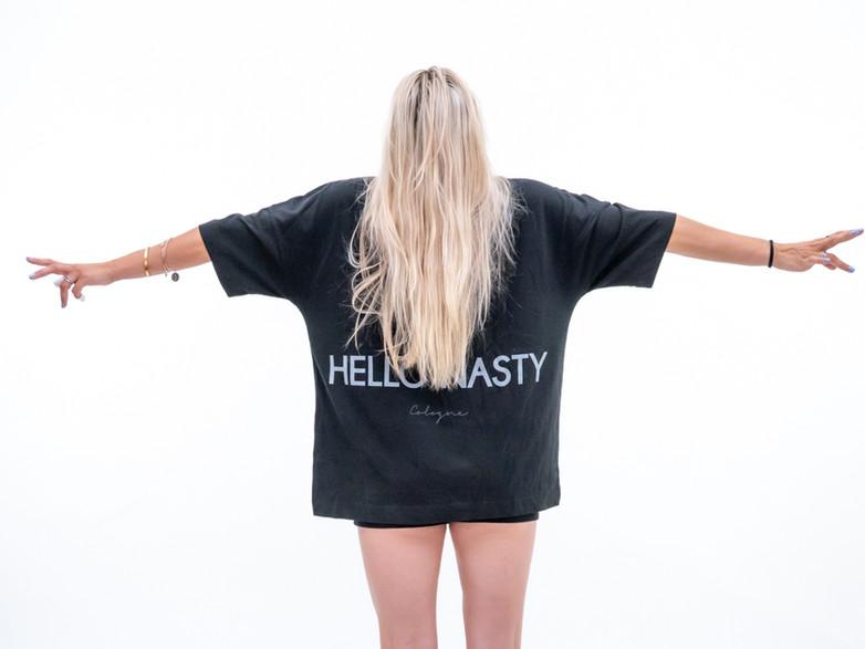 Hello_Nasty_Long_Island_Damen