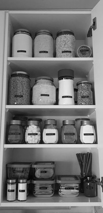 Keeping your pantry in order with recycled jars! Idea is from facebook goup kierrätysideat