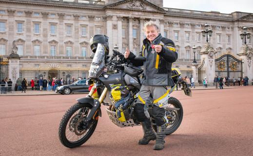 Nick Sanders recieves his MBE