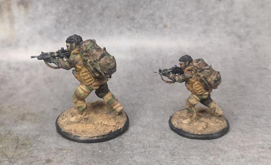 Force spéciale 2 tête nue et HK416