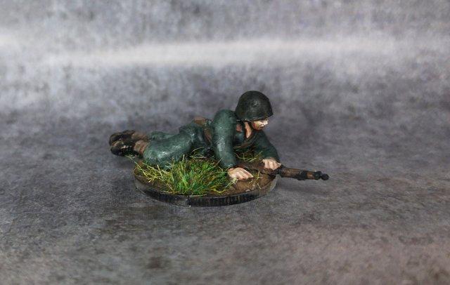 Soldat italien couché WW2