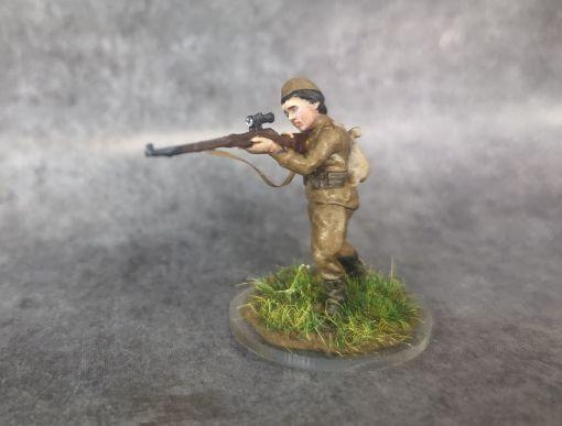 sniper femme russe debout ww2