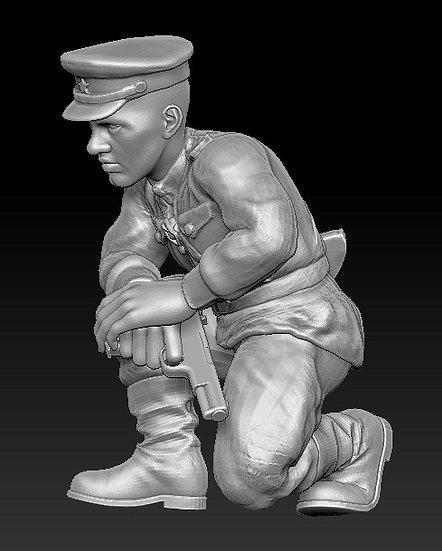 Officier russe accroupi ww2