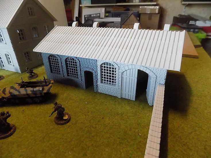 Petit hall usine WWII seul