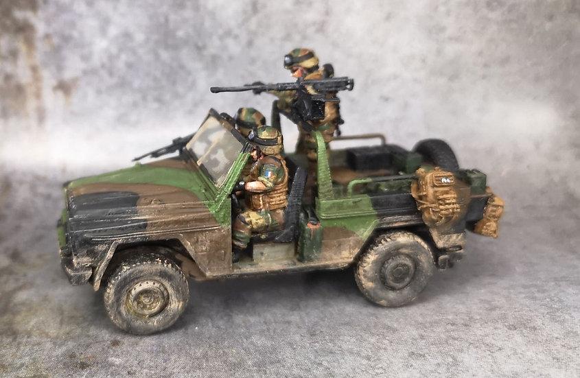 P4 armée française équipé avec équipage