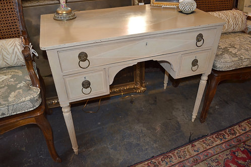 Sweet French style petite painted 3 dwr desk