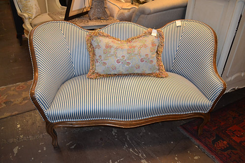 CUSTOM RECENT REUPHOLSTERED FRENCH WOOD FRAME SETTEE