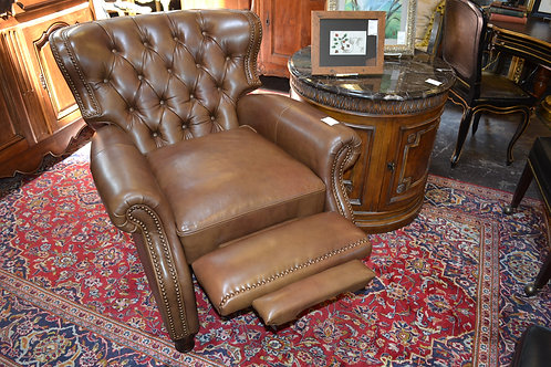 BARCALOUNGER LEATHER TUFTED NAILHEAD RECLINER