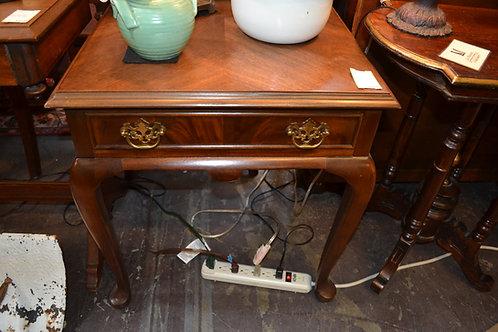 DREXEL MAHOGANY END TABLE W/ DRWR, PAD FEET