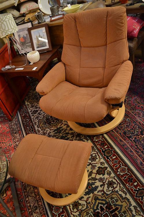 Ekornes Stressless recliner w ottoman