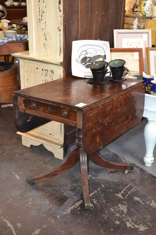 Antique Drop Leaf Table >> Antique Drop Leaf Table With Fantastic Patina