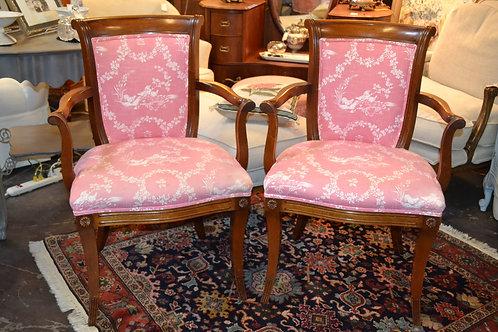 Elegant mahogany arm chair