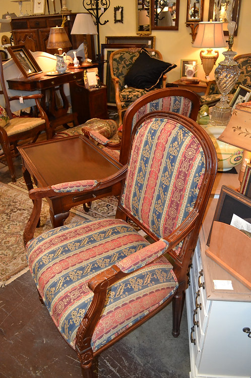 ETHAN ALLEN UPHOLSTERED FRENCH STYLE CARVED ARM CHAIR