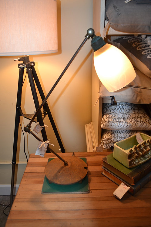 LAMP- VTG FANTASTIC! ARTICULATING ARM DESK LAMP, METAL