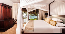 sea_view_pool_villa_bedroom_726x392_13
