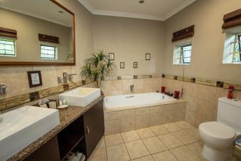 Room1 bath.jpg