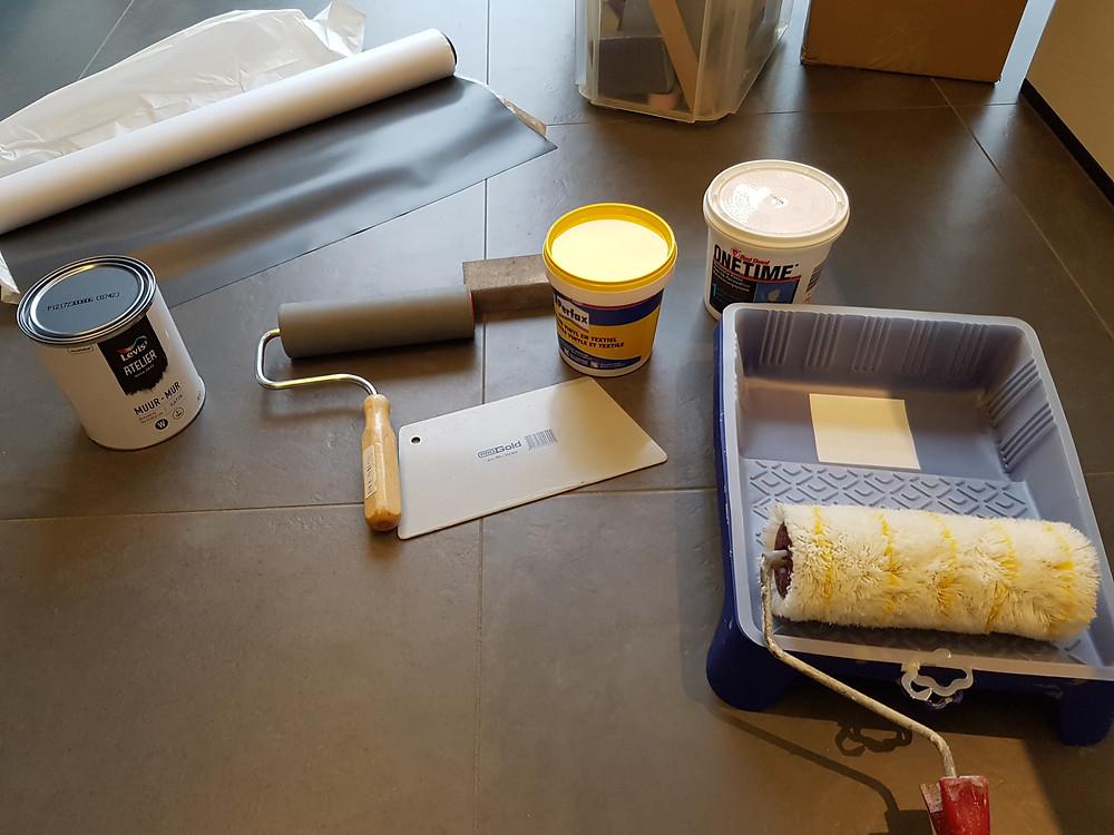 Materialen om magneetbehang op te hangen