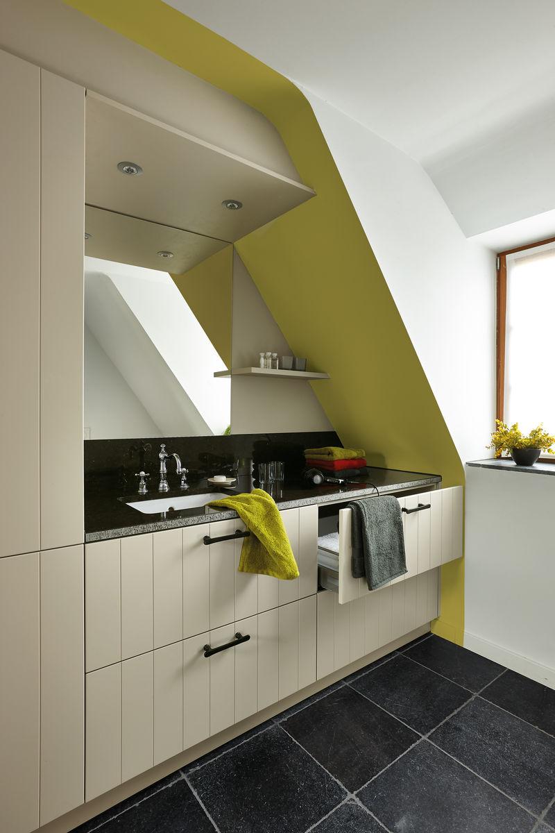 Verf schuin dak keuken