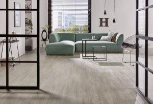 Vinylvloer met sofa van Deckers Interieur