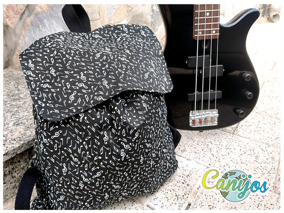 MOCHILAS REGULABLES. Estampados Mix
