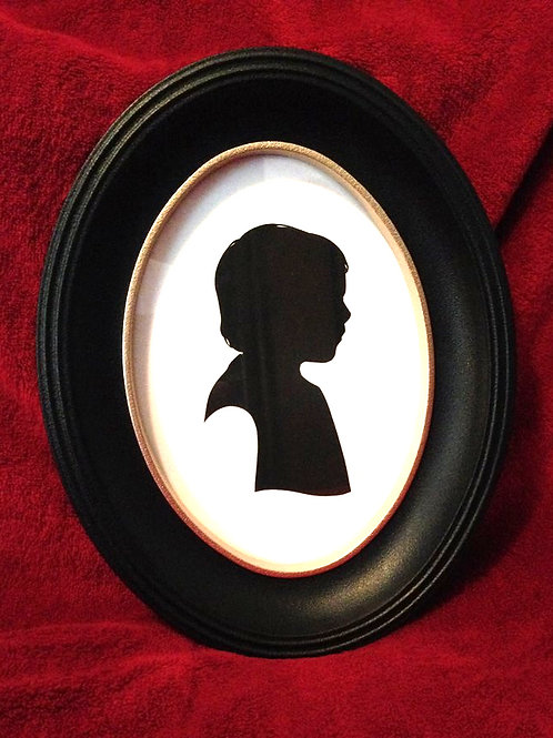 Oval frame (silhouette not included)