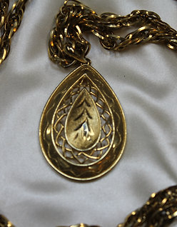 Golden Pendant for Renaissance