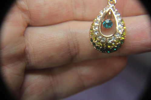 Drop Pendant With Green Topaz.