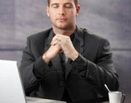 ¿Demasiado estrés laboral? ¿Por qué no meditar en la oficina?