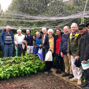 A VISIT FROM THE MEMBERS OF KEW ROTARY CLUB