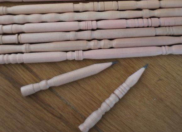Crayon de bois sculpté