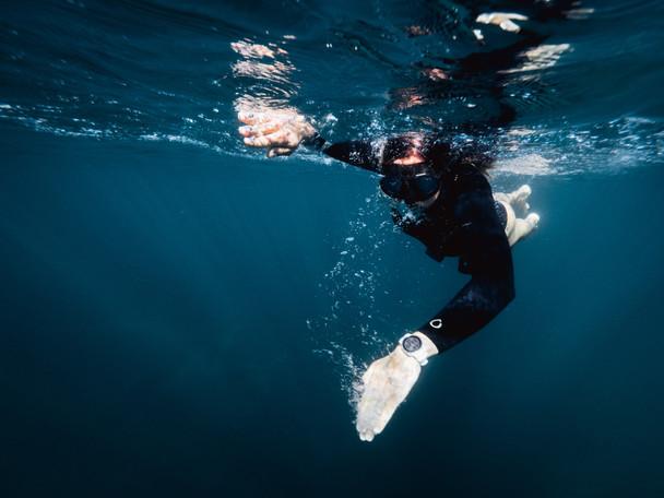 8-25mm F4 PRO x Matt Horspool - Freedive-9.jpg