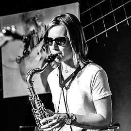 Andrea Weinberger (sax)