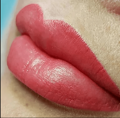 rose color lips, lip tattoo, full lips,