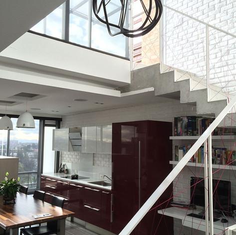 Remodelación integral Apartamento 801 Escaleras
