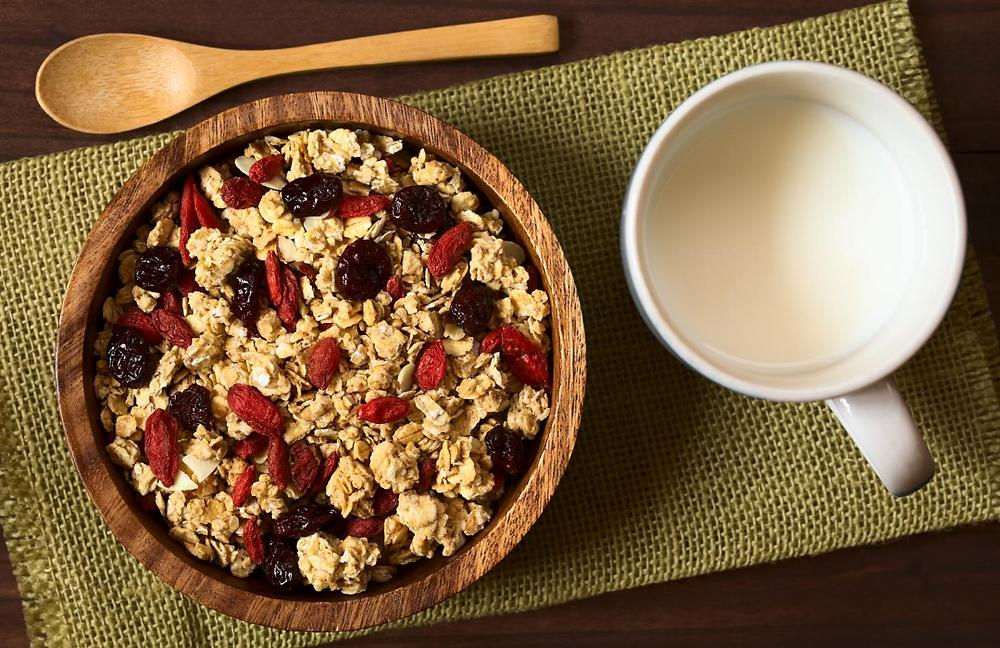 Cereales, con frutos sexo y leche
