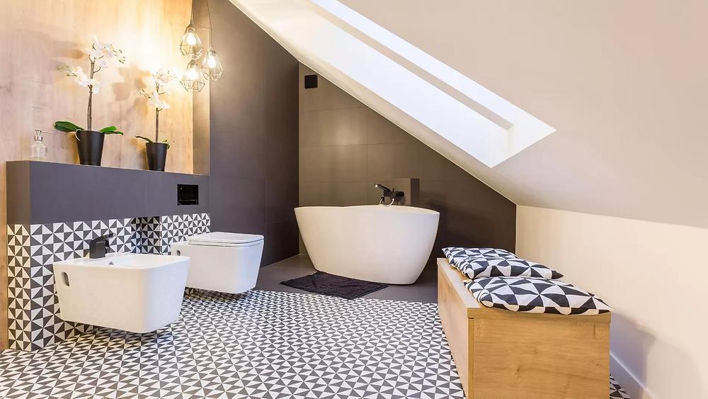Baño blanco y negro moderno