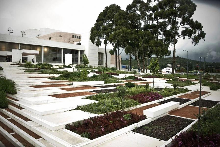 Parque zonal, Biblioteca Julio Mario Santo Domingo