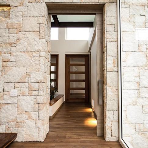 Diseño y construcción Casa Chía Pasillo